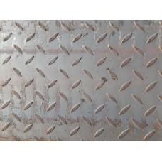 Лист стальной 3.0мм рифленый(чечевица)